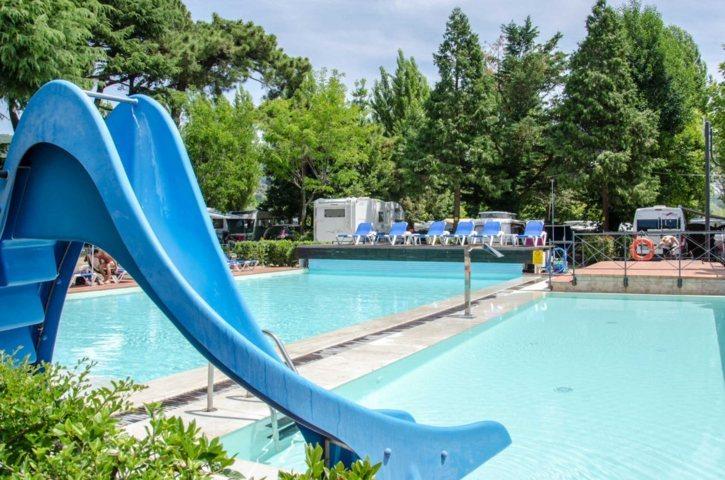 Campeggio con piscina Perugia